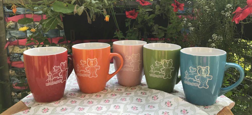 Tassen mit dem Logo des Kinderhaus-Fördervereins